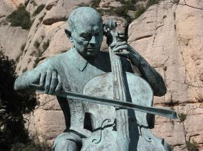 Pau Casals centenary statue (via Wikimedia Commons)